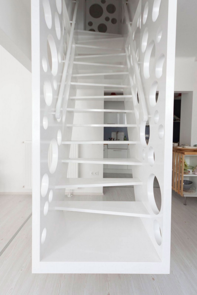 Emmental-Stairs-Apartment-03-800x1200