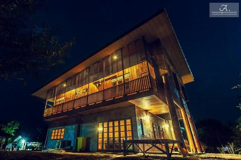 สร้างบ้านไม้ครึ่งปูนสองชั้นสไตล์ ลอฟท์ Loft ด้วยงบ 1.5 ล้าน สวยม๊ากก